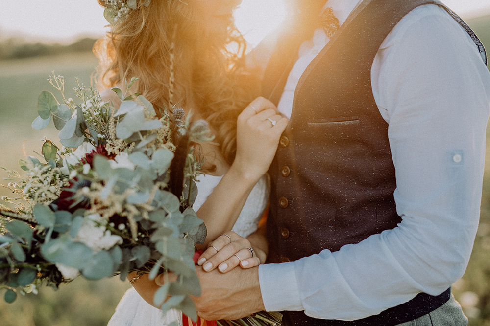 Tips for Your Fall Wedding in Florida moody flowers